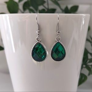 Just In.. Forest Green Crystal Earrings